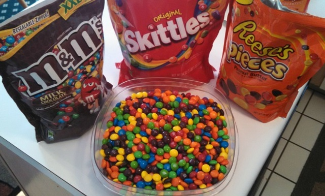 prank-fightthepower-chaos-candy-mix-skittles-and-mms-03